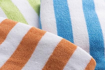 縞々模様のマイクロファイバータオル